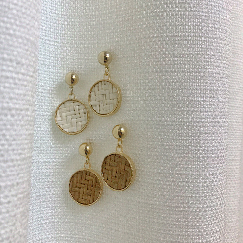 rattan gold point earring