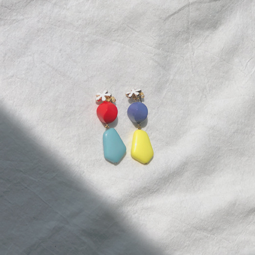 chewing color earring