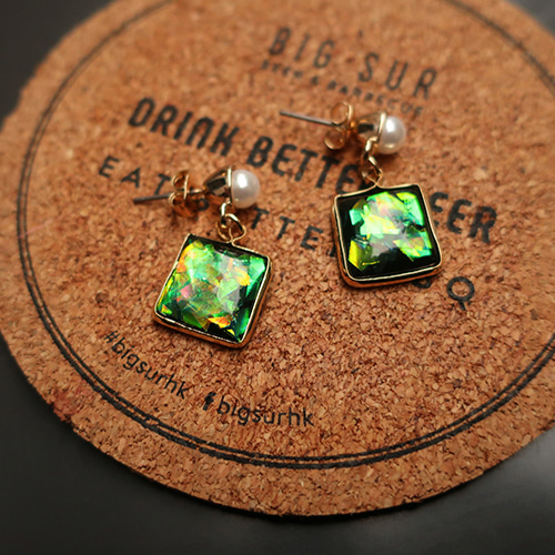 green hologram earing