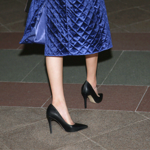 chic matte shoes