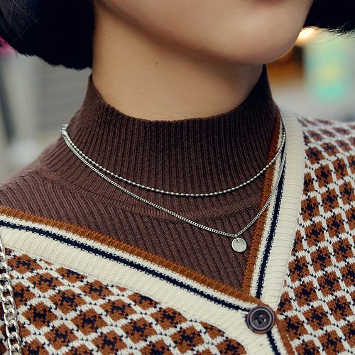 chat layered necklace