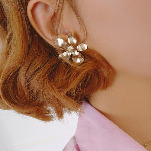 sensitivity flower earring